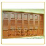 Pemilihan Model Pintu Lipat/Dorong Henderson Minimalis Untuk Garasi Rumah Anda