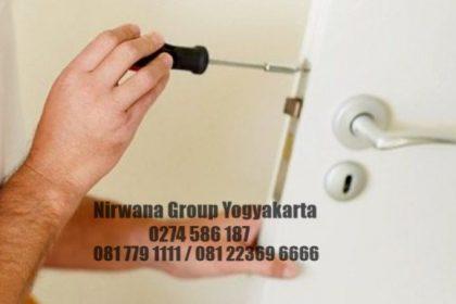 cara memperbaiki pintu rumah yang macet Jogja Solo Semarang