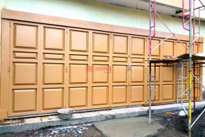 pintu lipat garasi henderson