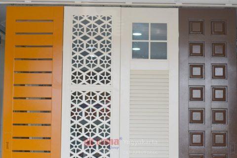 pintu garasi jogja