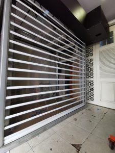 rolling door transparan