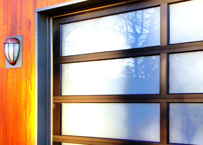 michelle-sectional-garage-door_2_040307
